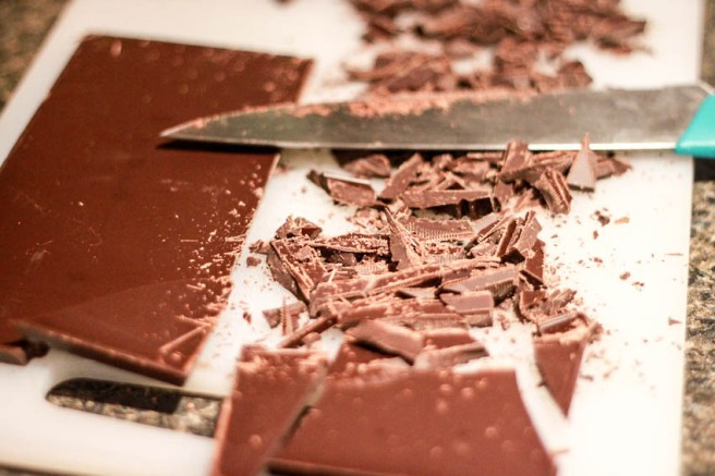 Cutting the chocolate